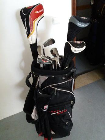 Golfe Clubs Wilson e saco pólos e sapatos 43