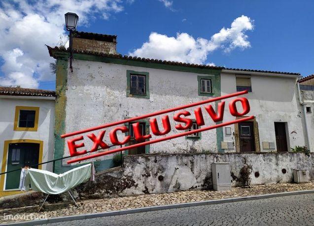 Moradia com 2 pisos para recuperar próximo do Crato no Sul de Portugal