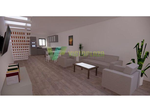 Casa Com Projeto Para Recuperar no Centro da Cidade Portimão