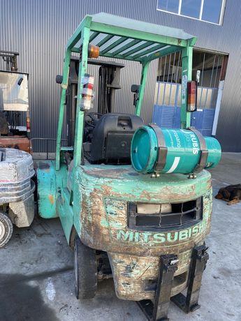 Empilhador mitsubichi 2500 kgrs gas com rodado duplo