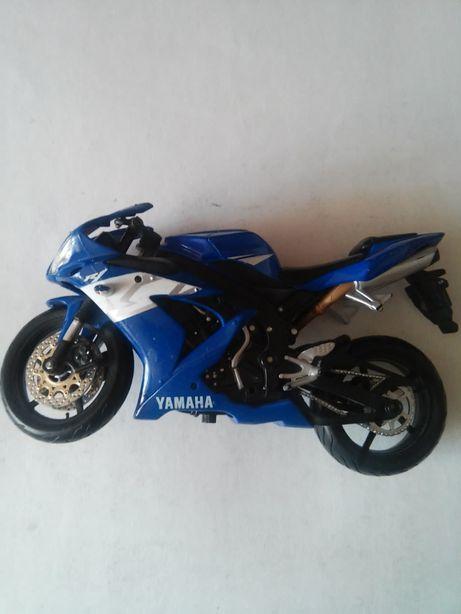 Модель мотоцикла Yamaha,игрушка мотоцикл