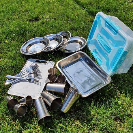 Набор посуды для пикника на 6 персон.