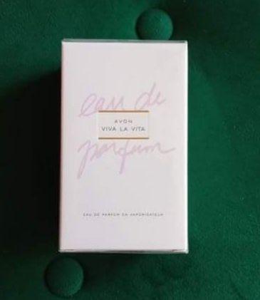 Perfum Viva la vita Avon 50 ml