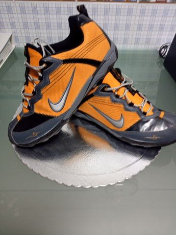 Tenis Nike Air WinterSpike ACG
