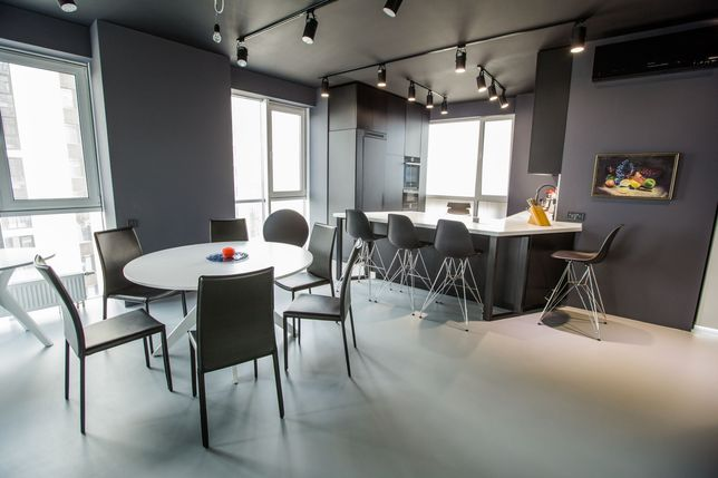 Центр. Дизайнерская квартира в ЖК Панорама, без комиссии. Свой паркинг