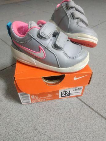 Sapatilhas menina Nike 22