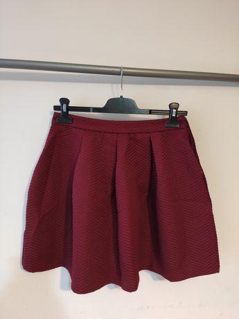Spódnica burgundowego koloru