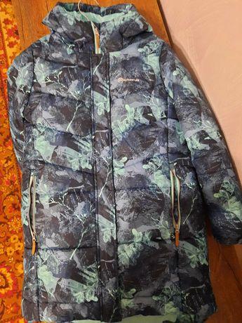 Куртки в отличном состоянии. Зима-1000грн .Демисезонная-500 грн.