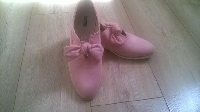 Nowe buty damskie Vices z kokardą małe 40