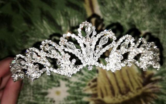 Диадема, тиара, корона на свадьбу