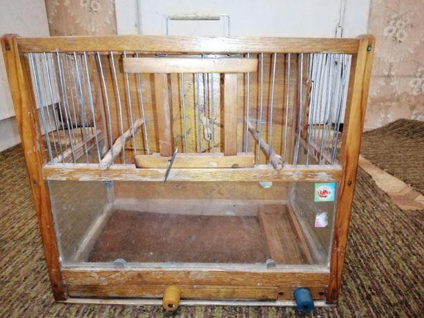 Деревянная клетка для попугая