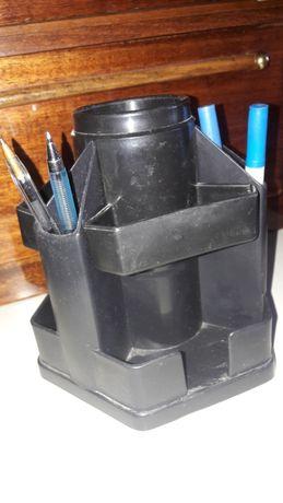 Подставка для ручек и карандашей.