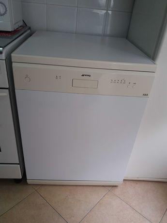 Máquina de lavar loiça SMEG
