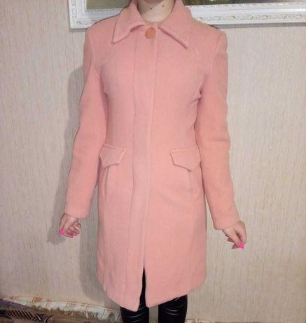 Пальто  персикового кольору