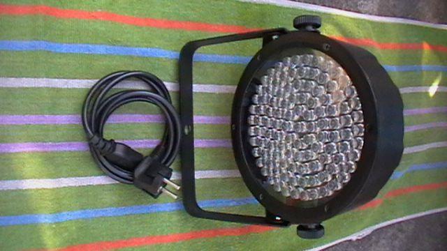 Светодиодный прожектор CHAUVET-64