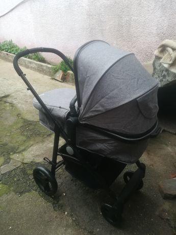 Carrinho de bebé nunca usado. Como novo !!