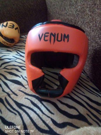 шлем на карате