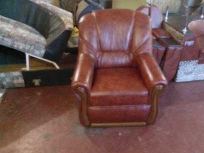 Перетяжка и ремонт мягкой мебели(диванов, кресел,стульев.