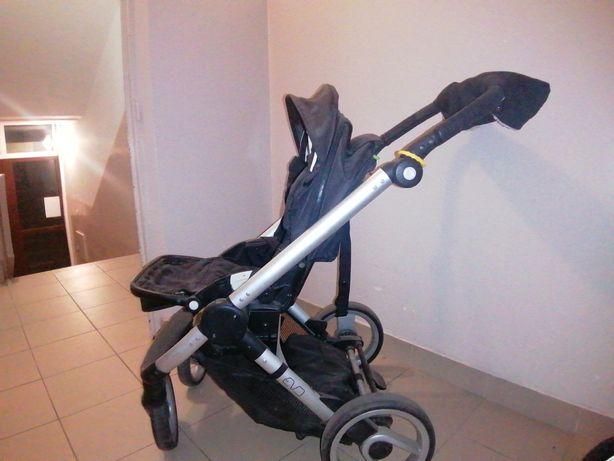 Wózek Mutsy Evo z osłoną przeciwdeszczową, mufką i torbą Skipp Hop