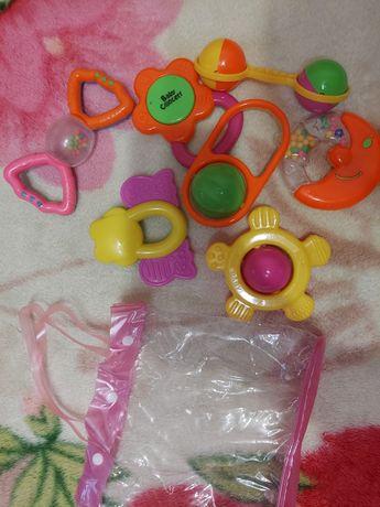 Набір брязкалець для дитини з 7 шт