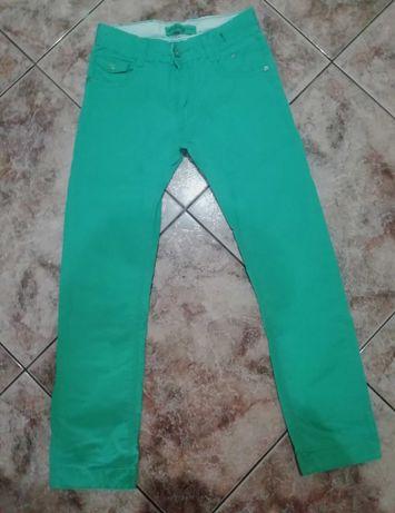 Miękkie, dziecięce jeansy 152