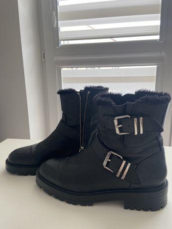 Czarne skórzane zimowe buty ZARA