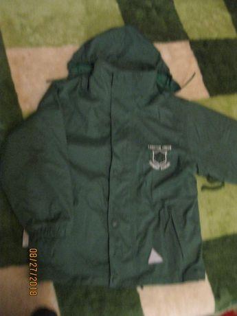 Продам фирменную двухстороннюю курточку-толстовку на мальчика 9-10лет