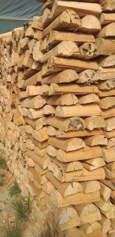 Vendemos vários tipos de lenha seca de qualidade