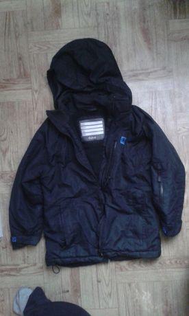 Sprzedam używaną kurtkę chłopięcą w dobrym stanie firmy Cubus