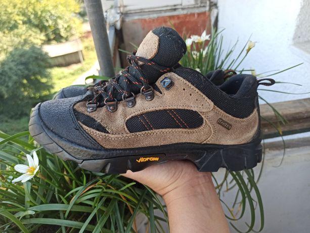 Кроссовки Adventuridge 36 р 23 см ботинки outdoor трекинг ten tex