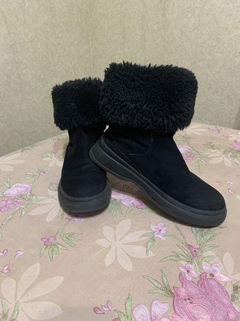 Продам зимние ботинки zara