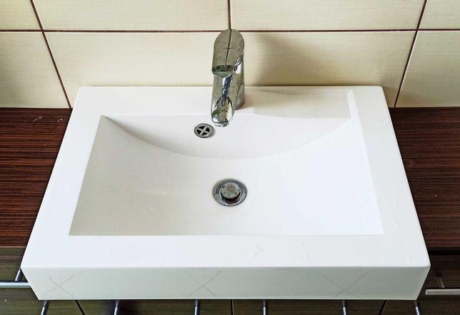 Umywalka łazienkowa 60 cm z baterią komplet