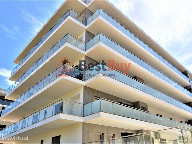 Apartamento novo de 3 quartos,300 metros da praia, Quarteira