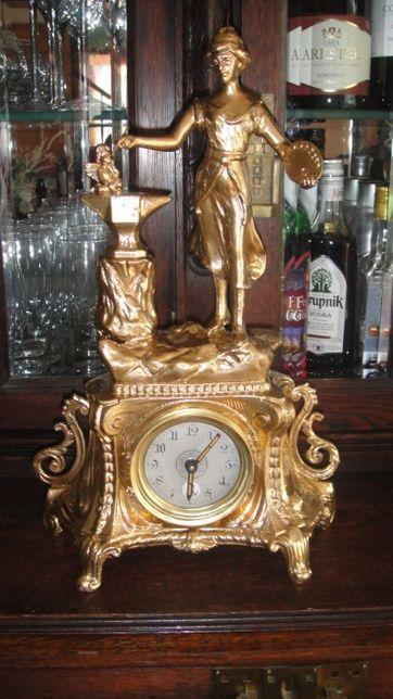Zegar kominkowy Dama stojąca