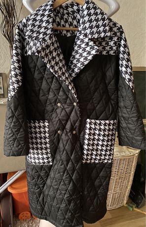 Стильное демисезонное пальто-куртка