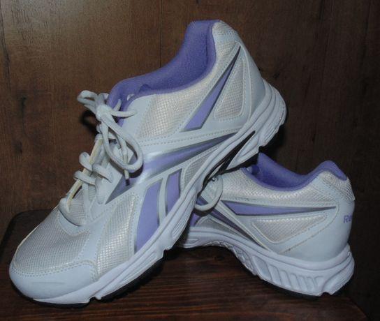 Продам кроссовки Reebok 40 размера, стелька 26,7см Оригинал