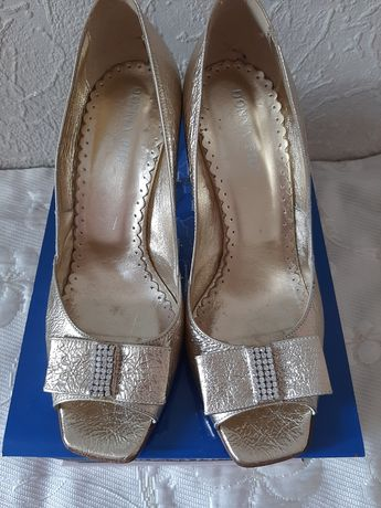 НОВІ туфлі шкіряні,  Donna Piu - Італія  Розмір 38