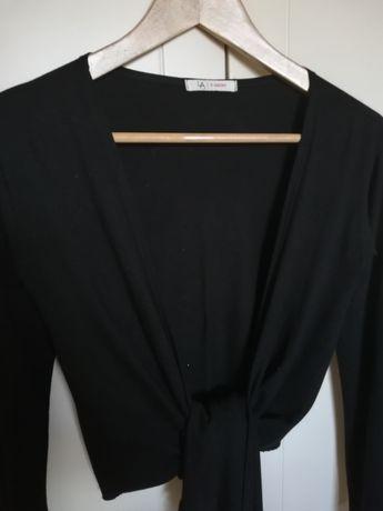 """Blusa cor preto em malha decote em """"V"""" em ótimo estado"""