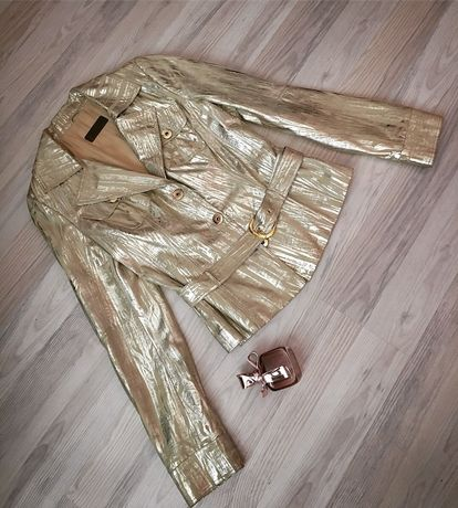 Золотистая кожаная курточка