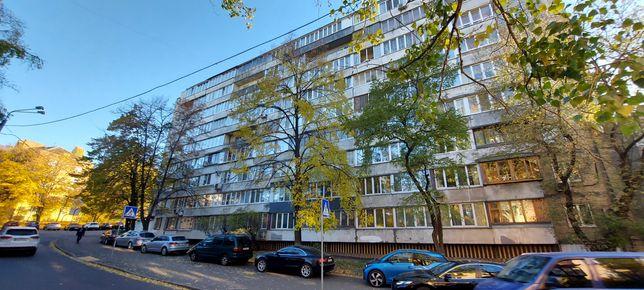 Продажа 2 комнатной квартиры ул. Подвысоцкого 16.