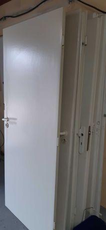 Skrzydla drzwi oddam za darmo