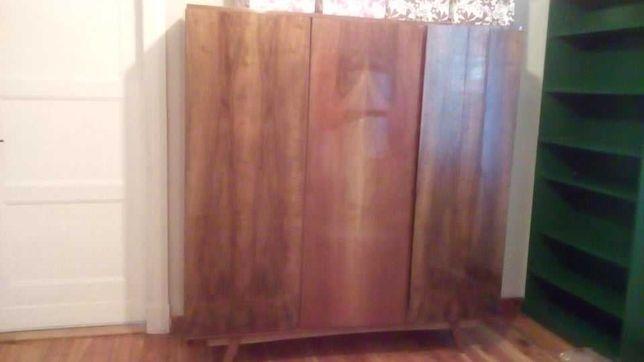 szafa vintage PRL 3-drzwiowa