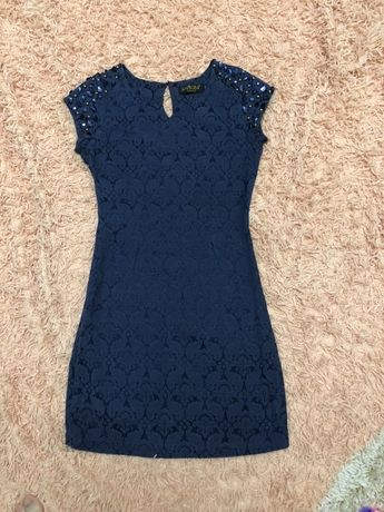 Красивое женское платье 42 р.