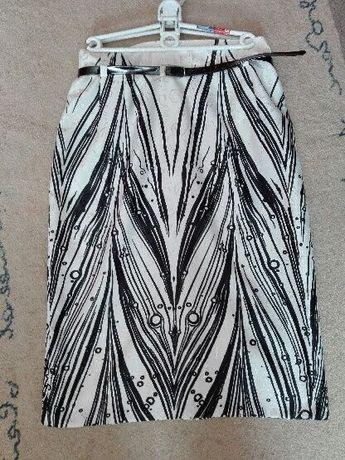 Bolerko-żakiet biały + spódnica roz. 38