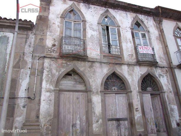 Moradia para recuperar em Vila Flor
