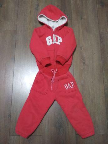 Спортивный костюм GAP красный тёплый костюм на рост 110см на мальчика
