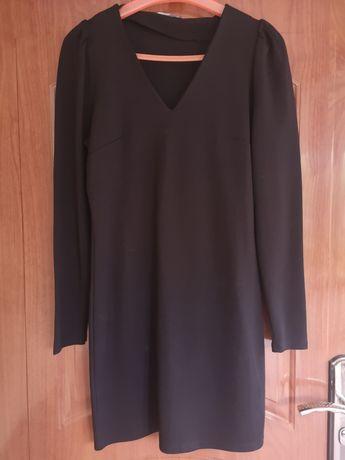 Czarna klasyczna sukienka mała czarna z bufkami