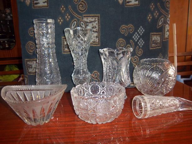Хрустальные вазы и вазочки.