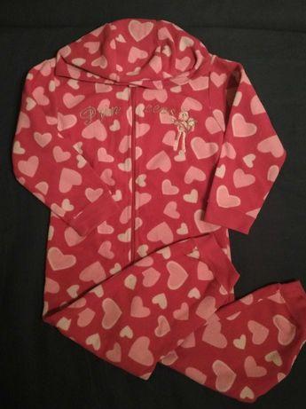 Пижама флисовая на девочку 4-5 лет
