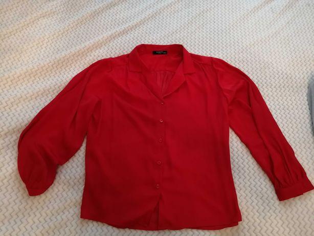 Czerwona koszula z połyskiem
